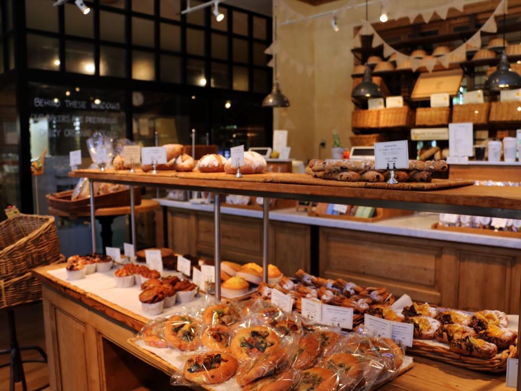 たくさん並んだ美味しそうなパンたち